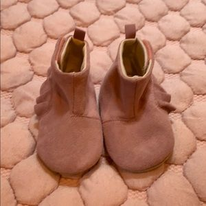 EUC baby gap sueded bootie 6-12 mo